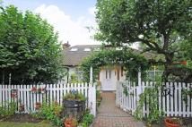 3 bed Detached Bungalow in High Barnet/ Arkley...