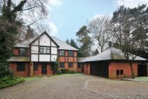 5 bed Detached property to rent in Arkley, EN5