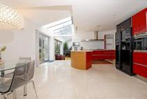 5 bed Detached home in BARNET ROAD, BARNET