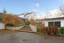 5 bedroom Detached property to rent in BARNET ROAD, BARNET