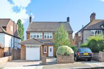 London Detached property to rent