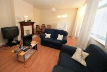 3 bed Maisonette in Gleneagle Road, Streatham