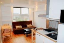 Studio apartment in Ashurst Gardens...