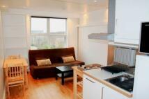 Studio apartment in Ashurst Gardens...