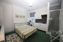 Studio apartment to rent in Tooting High Street...