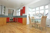 Flat to rent in Berkhamsted Ave, WEMBLEY...