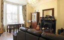 2 bedroom Flat to rent in Cavendish Road, NW6