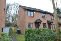 2 bed End of Terrace property in ADDLESTONE