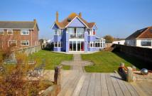 5 bed Detached house for sale in Bracklesham Bay...