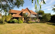 5 bedroom Detached house in Hayling Island, Hampshire