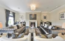 4 bed Flat for sale in Hyde Park Gardens...