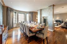 4 bedroom Flat for sale in Park Street, Mayfair...