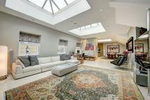 4 bed Flat for sale in Shaftesbury Avenue...
