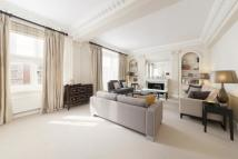 3 bedroom Flat to rent in Mount Street, Mayfair...