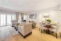 2 bed Flat in Park Street, Mayfair...