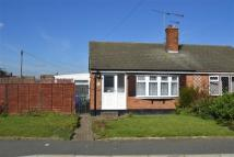Semi-Detached Bungalow to rent in Weydale, Stanford-le-hope