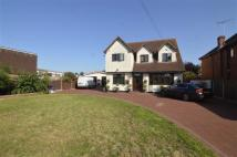 4 bed Detached property in Southend Road...