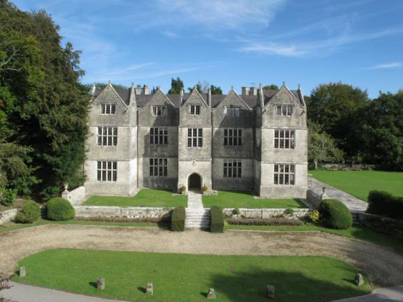 7 bedroom detached house for sale in the old manor