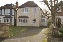 4 bedroom Detached home in Tudor Way, Uxbridge
