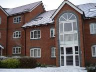 2 bed Ground Flat in Delph Hollow Way...