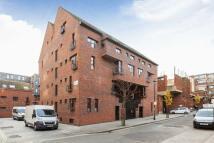 Flat to rent in Moreton Street...