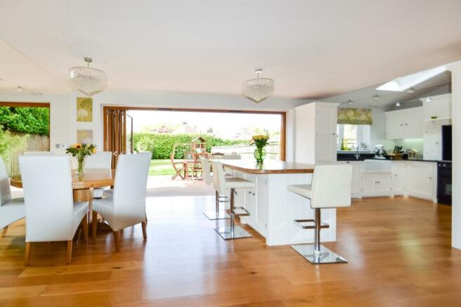 Kitchen to  garden v