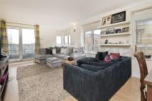 Apartment to rent in Admiral Walk, Maida Vale...