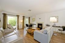 2 bedroom Flat to rent in Randolph Crescent...