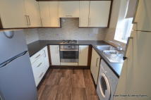 2 bed Apartment to rent in The Horizons, Bolton