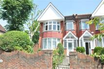 Apartment to rent in Carew Road, Ealing...