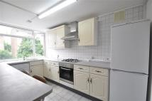 Apartment in Craven Court...