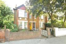 Apartment to rent in Allan Way, Acton, London