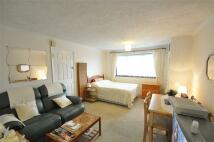 Studio flat to rent in Woodstock House...