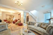5 bedroom semi detached home in The Rise, London