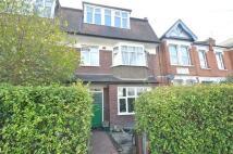 Apartment to rent in Radbourne Avenue, Ealing