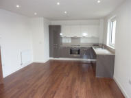 3 bed Flat to rent in Green Lane, Edgware...