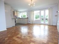 Flat in Grasmere Road, Bromley...