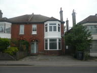 Maisonette to rent in COLLEGE ROAD, Bromley...