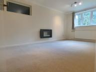 Flat to rent in Shortlands Road, Bromley...