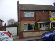 3 bedroom semi detached house to rent in Barleyhill Road...