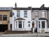 3 bed End of Terrace home in Villiers Road, Willesden...