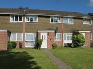 2 bed Ground Flat in Redfield Court, Newbury...