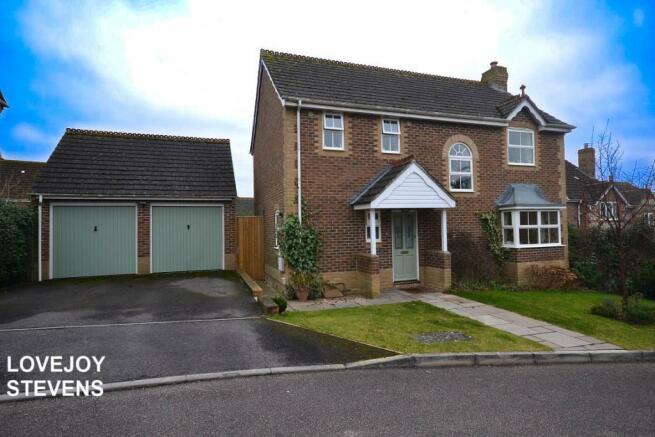 4 bedroom detached house for sale in wansey gardens newbury berkshire rg14 rg14