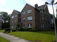 Flat in Highwood Court ...