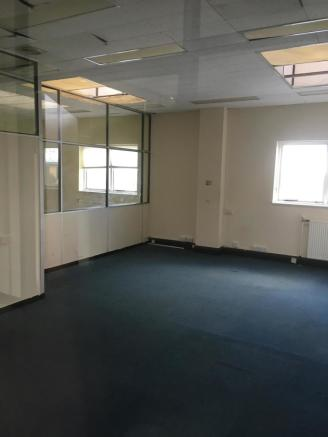 £400 pcm office