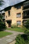 Flat to rent in Hallingbury Court...
