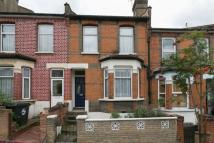 2 bed Terraced house to rent in Luton Road...