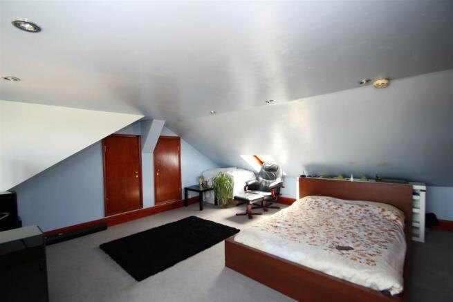 Bed 6.1.jpg