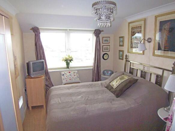 lockwoodplacebedroom.jpg