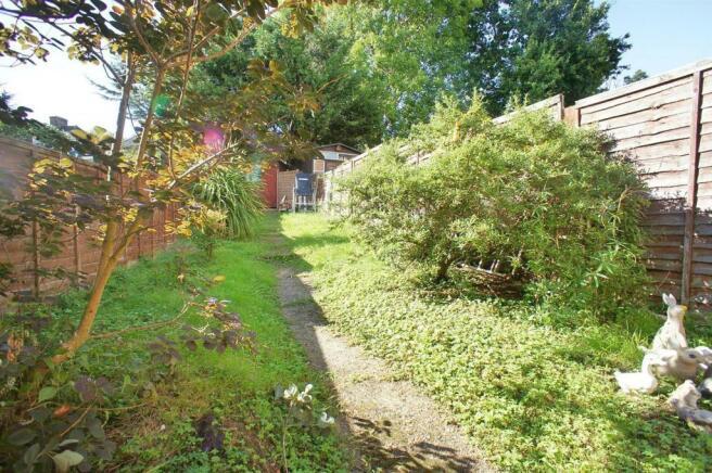 manorfarmdrivegarden.jpg